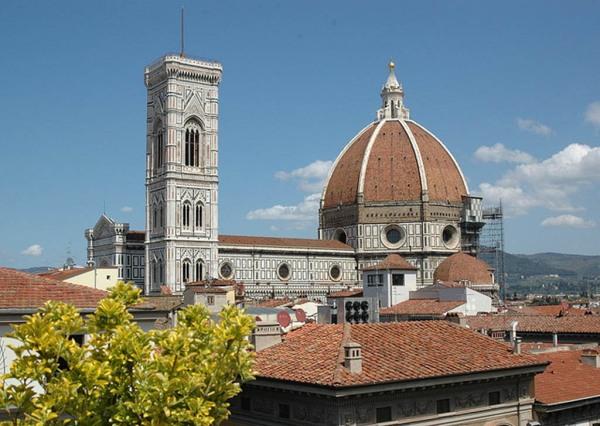 Catedral de Santa María de las flores de Florencia con la cúpula de Bruneleschi