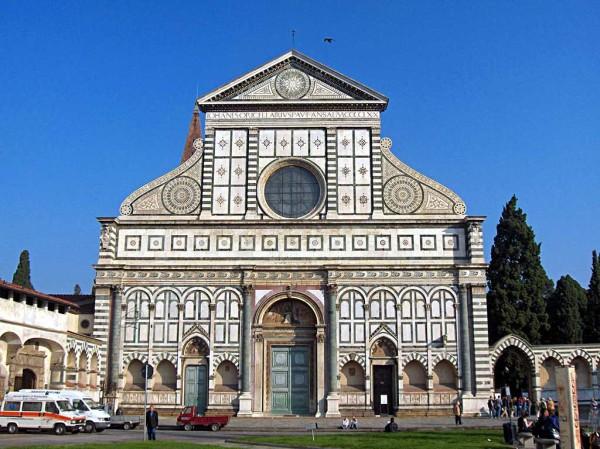 Fachada de la iglesia de Santa María Novella de Alberti